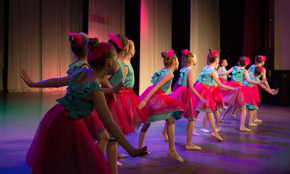 Performing Arts Girls dancing on stage